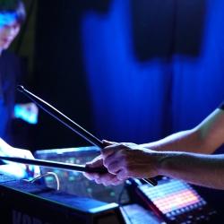 http://ausstellung.fr/files/gimgs/th-6_Ausstellung_Live_Drum.jpg